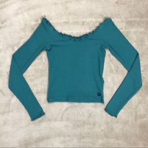 ABERCROMBIE & FITCH Off-the-Shoulder Crop Top
